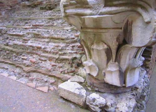 roma colosseum ruins